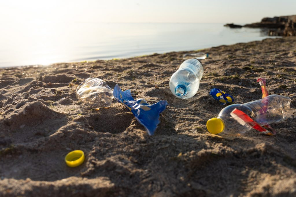 Sea plastics as a resource